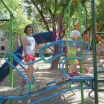 Челябинцы помогают самой маленькой маме России прокормить двоих детей