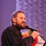Протоиерей Георгий Крецу награжден благодарственной грамотой в День города.