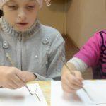 За работой 10.12.17. Дети готовятся к Рождеству