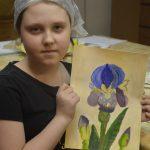На живописи у нас цветут цветы, порхают бабочки